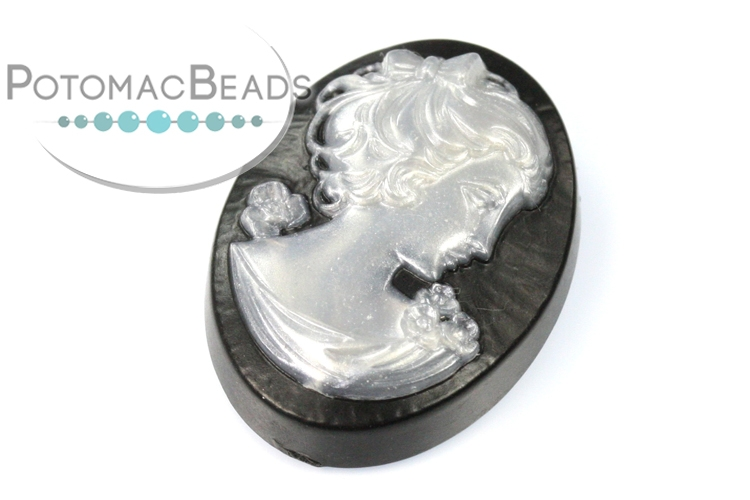 Cameo - Black & Pearl 18x25mm