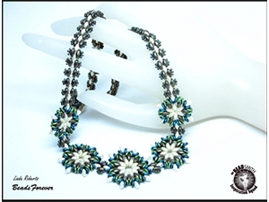 How to Bead / Free Patterns / Round About Flower Necklace Pattern by Linda Roberts