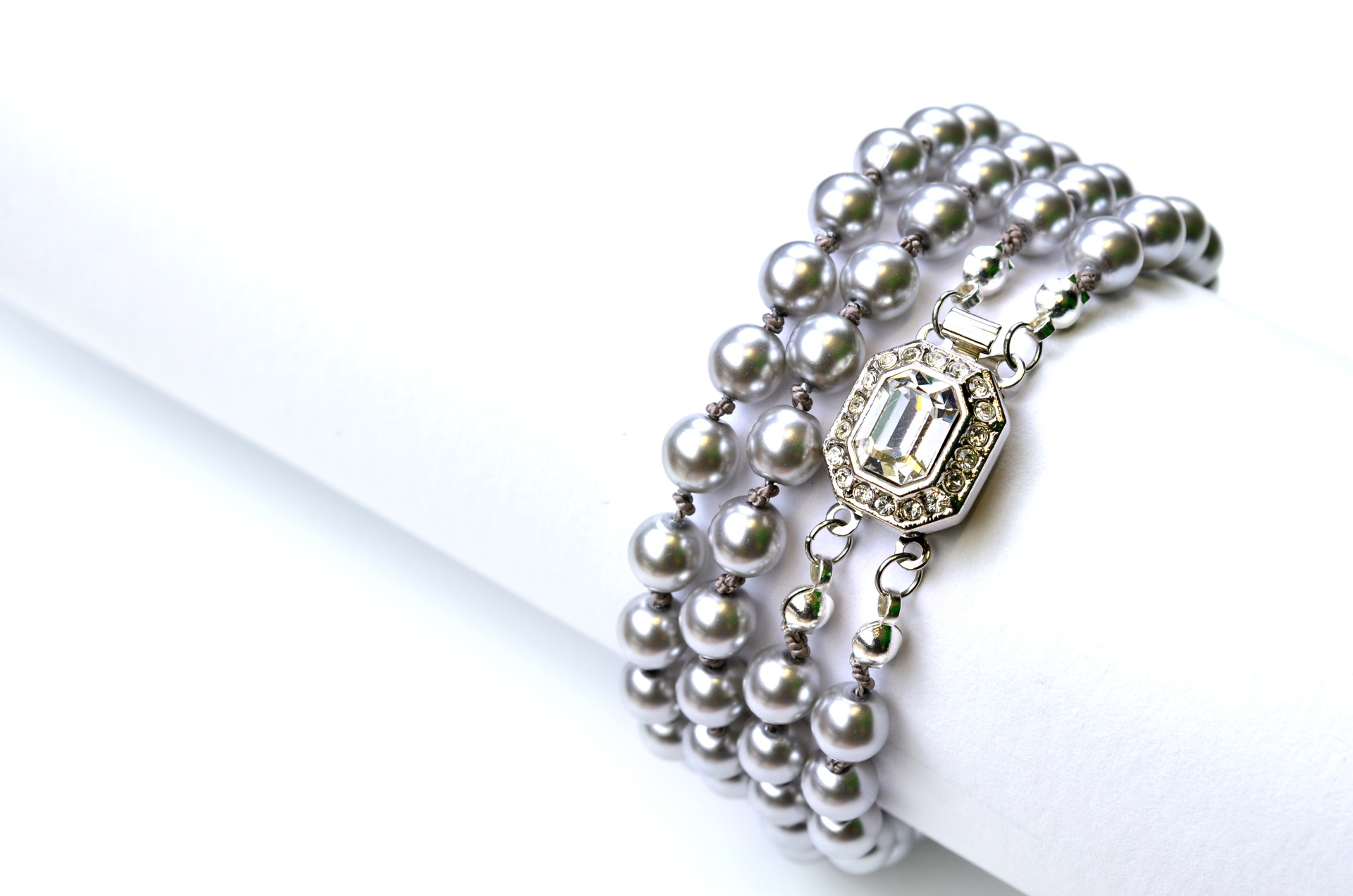 How to Bead Jewelry / Videos Sorted by Beads / Pearl Videos (Czech, Freshwater, Potomac Pearls)